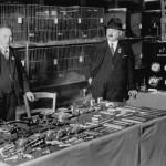 1919: Die komplette AFRISO Produktpalette wird übersichtlich präsentiert, noch sind dafür ein paar zusammen geschobene Tische ausreichend.