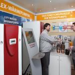 Mit dem Wärmepumpen-Truck unterstützt Dimplex seine regionalen Marktpartner und liefert mit Hilfe von Mustergeräten, interaktiven Animationen und Funktionsmodellen ein anschauliches Informationspaket rund um die Wärmepumpe.