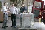 Michael Schubert, Jakub Janda und Frantisek Gajda bei der Abholung der Fronius Energiezelle im Fronius Werk in Sattledt